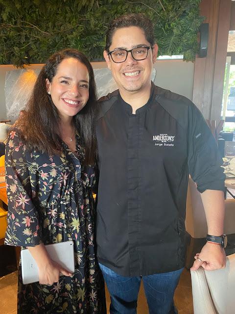 Andrea Salcedo y el chef Jorge Boneta.