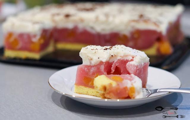 ciasta i desery, ciasto na biszkopcie, ciasto na imprezę, biszkopt z 3 jaj, masa z kisielem, masa owocowa, krem śmietanowy, krem śmietanowy z mascarpone, pyszne ciasto,