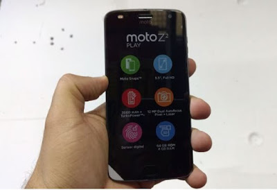 Moto Z2 Play Unboxing and Photo Gallery
