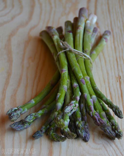 Espárragos - Ensalada de trigo sarraceno y espárragos con aderezo de tahini 4