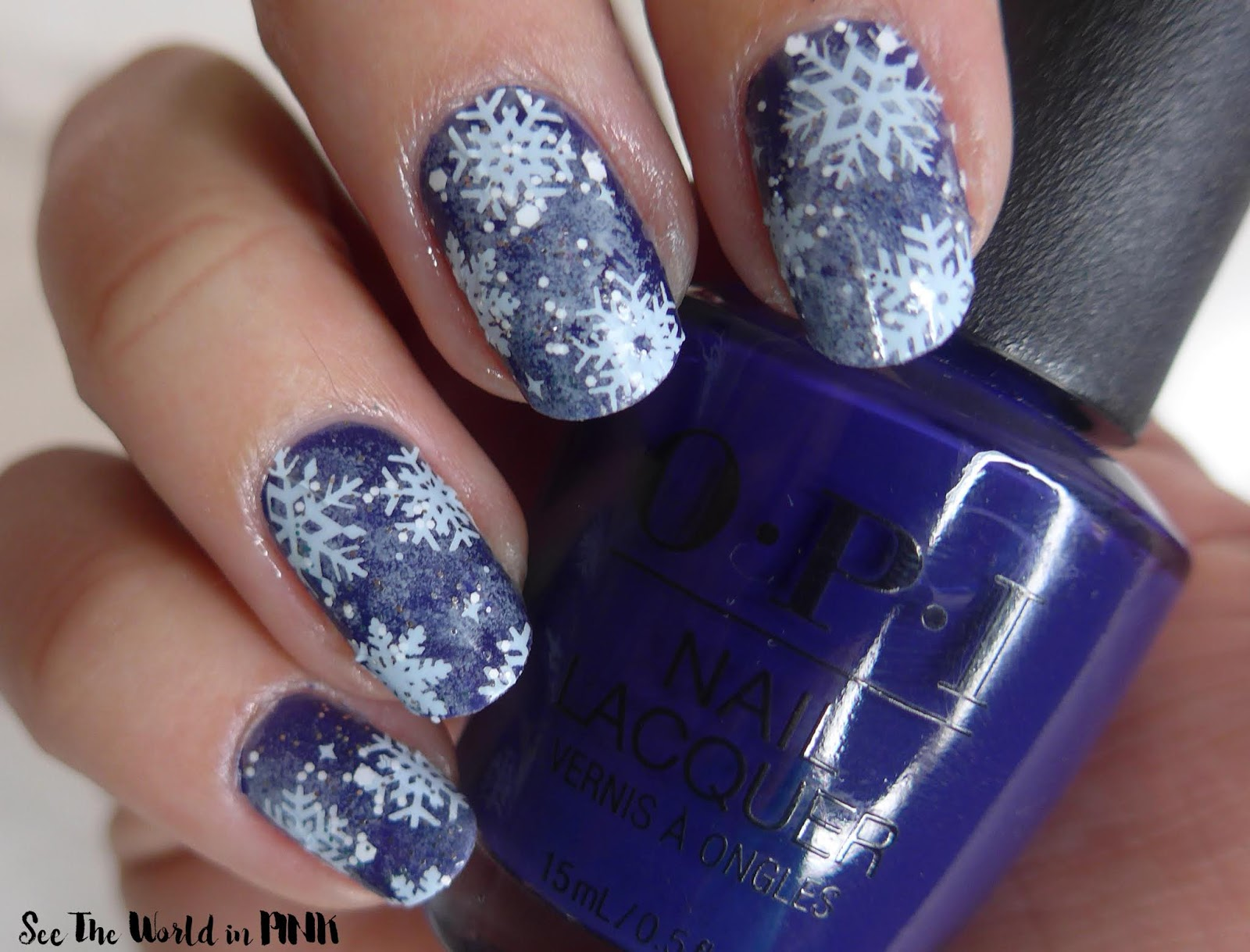 Manicure Monday - Sponged Winter Nails + Scratch Wonderland Nail Wraps