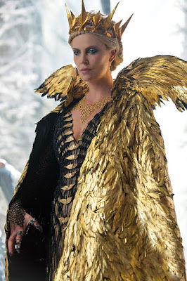 The Huntsman: Winter's War = Frozen + Hunger Games?