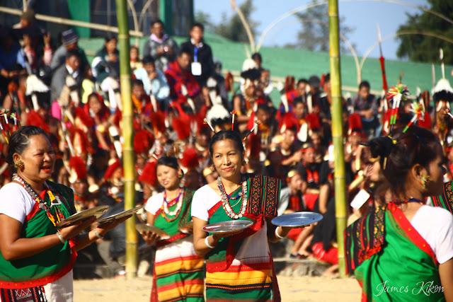 Kachari tribe women perform plate dance in tradition dress 4