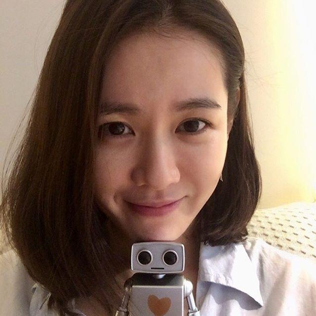 """Chỉ là ảnh đời thường thôi, """"chị đẹp"""" Son Ye Jin cũng làm say lòng người như thế này  - Ảnh 2."""