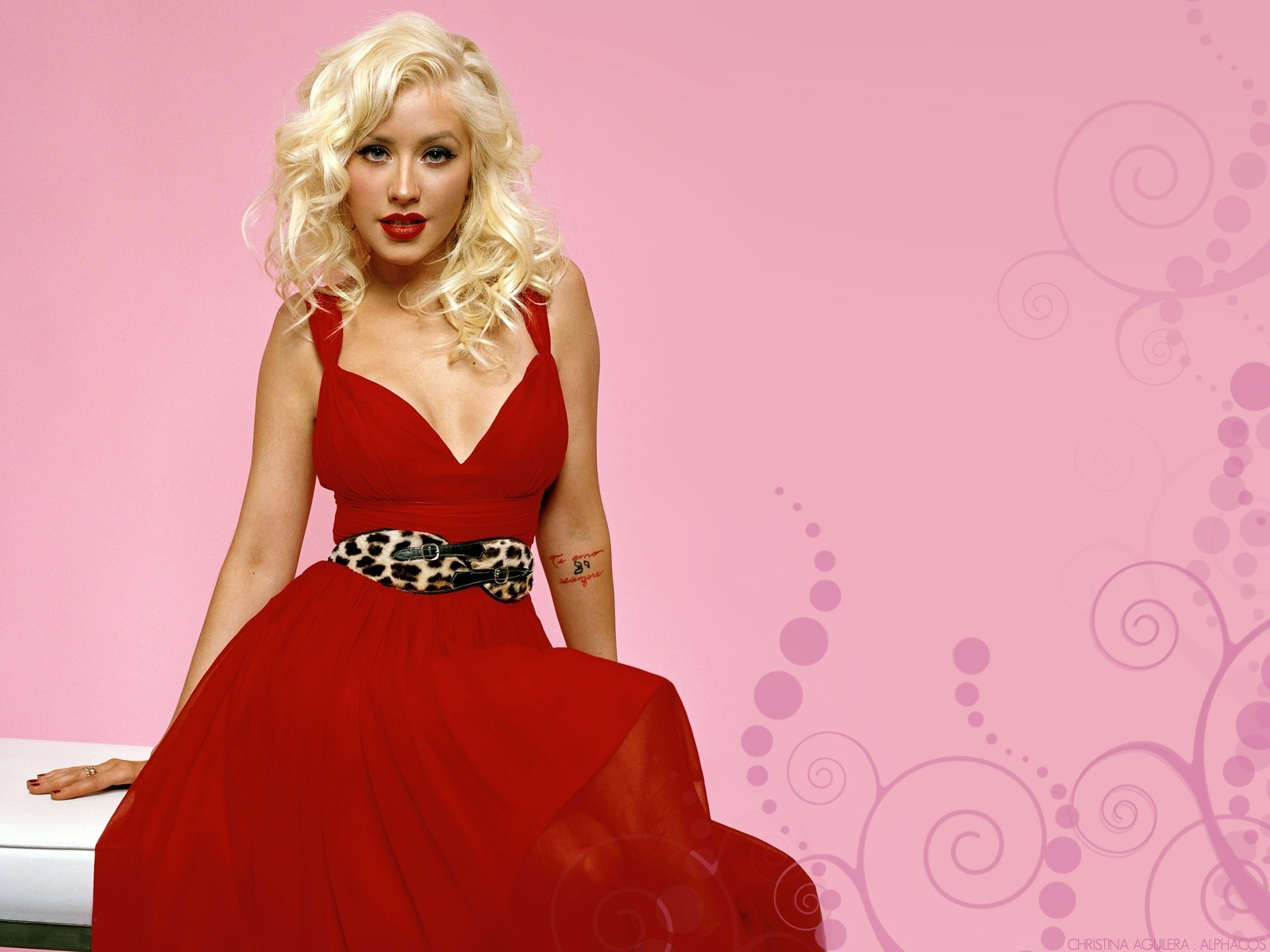 Bollywood Singers Hd Wallpapers High Resolution Wallpaper Christina Aguilera Hd Wallpapers
