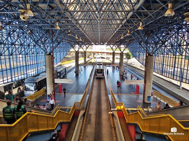 Vista ampla do interior da Estação Mercado - Expresso Tiradentes - São Paulo
