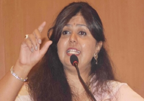 Pankaja-Munde-clash-with-priest-over-Dassehra-address-Maharashtra