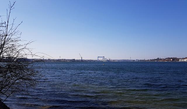 Küsten-Spaziergänge rund um Kiel, Teil 2: Der Ölberg in Mönkeberg. Die Aussicht auf die Kieler Förde ist bei diesem Spaziergang phantastisch.