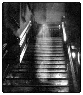 Le fantôme de Raynham Hall, ou la photo la plus crédible au monde