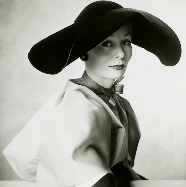 1949. Nina de Voogt by Irving Penn