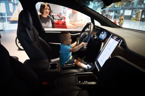 Tesla wants to protect children in its cars