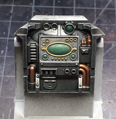 Cerastus Knight-Castigator WIP - painting the interior console