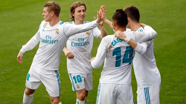 Real Madrid nhớ Ronaldo da diết: Vinh quang của Zidane làm mờ mắt
