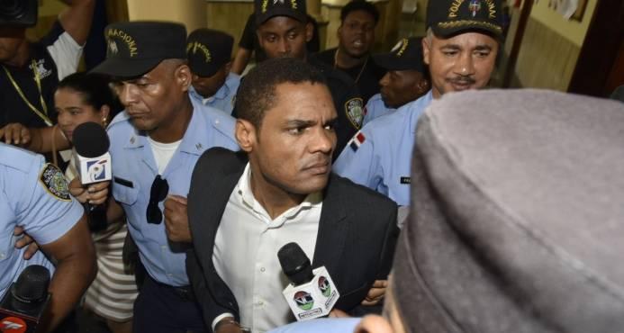 Dictan un año de prisión preventiva contra exembajador Donni Santana