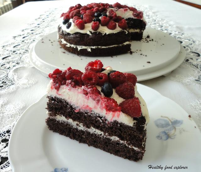 Prosty tort z owocami