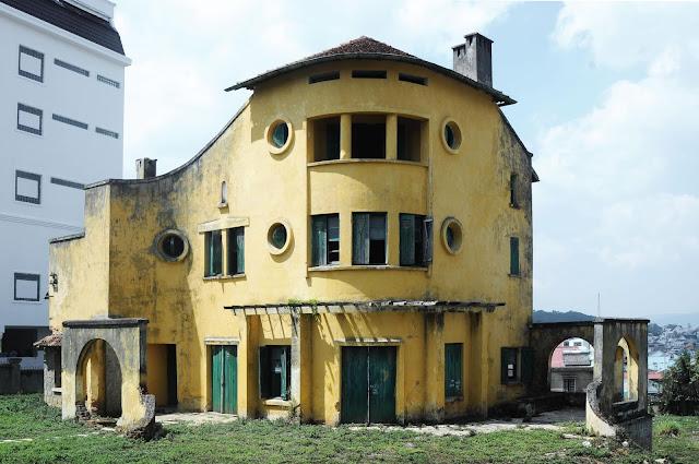 Góc chụp toàn cảnh căn biệt thự bỏ hoang ở Đà Lạt