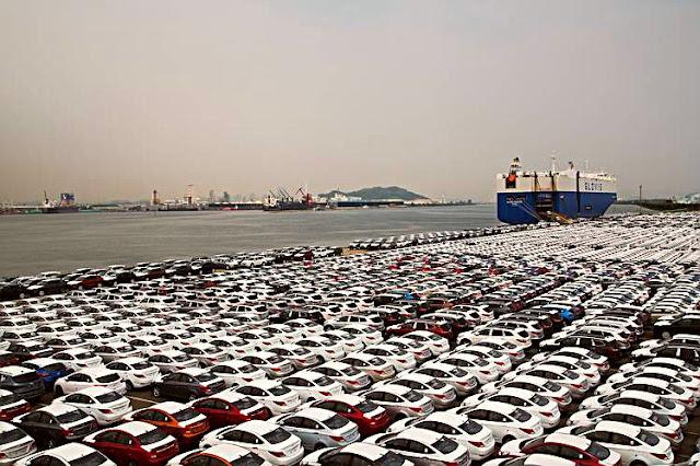 Sonuç olarak Hyundai ve Kia, tedarik sorunları nedeniyle araçlarda kullandıkları elektronik sistemler için gerekli kabloları edinemiyor. Bu da araçların üretiminin durması anlamına geliyor.