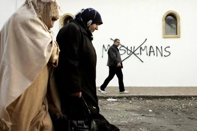 Sentimen anti-Islam rupanya terus menyala di negara Barat. Aksi pembakaran Alquran yang dilakukan demonstran antimuslim di Swedia berakhir rusuh. Unjuk rasa itu dipicu politisi kontroversial Denmark, Rasmus Paludan.