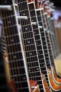 Qué necesitas para aprender a tocar la guitarra.