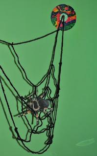 Inspiracje na Halloween pajęczyna szydełkowa
