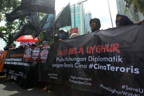 Mendiamkan Penyiksaan Uighur, Jokowi Melecehkan Umat Islam Indonesia