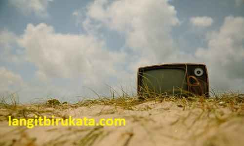 Not Just a Television - Part 1 - langitbirukata.com