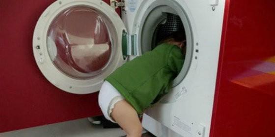 Cadáver de niña de 4 años encontrado dentro de una lavadora en Maracaibo