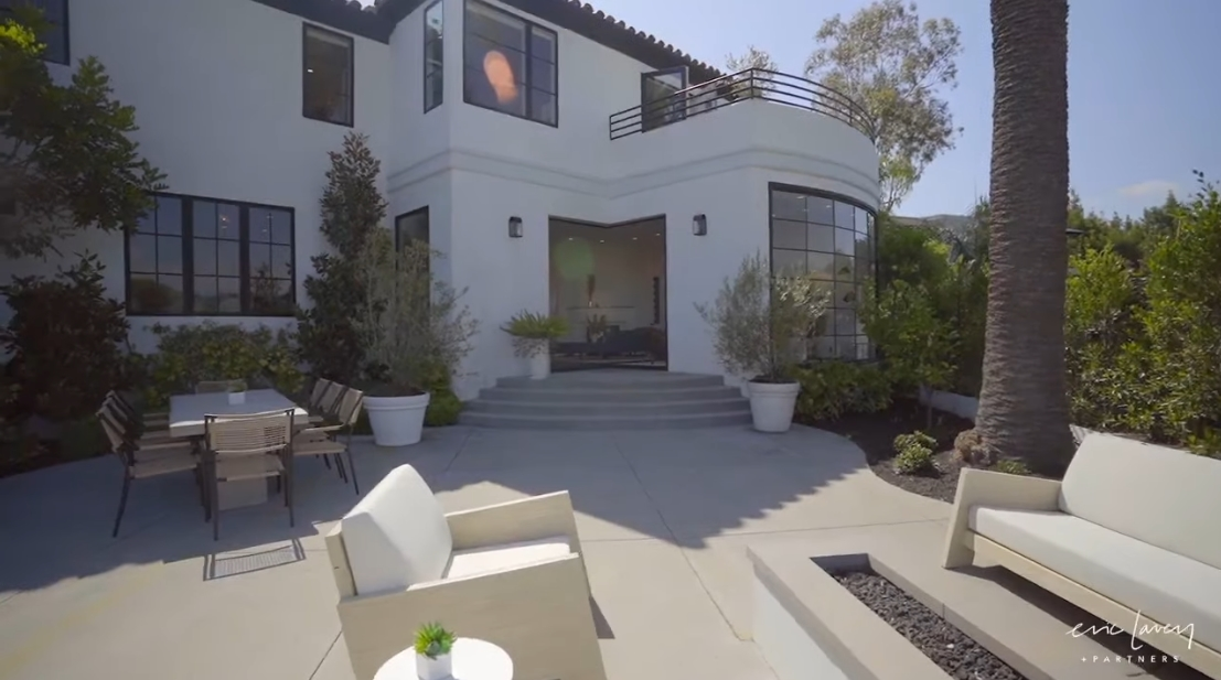 Tour 2230 Maravilla Drive, Los Angeles Luxury Home vs. 22 Interior Design Photos