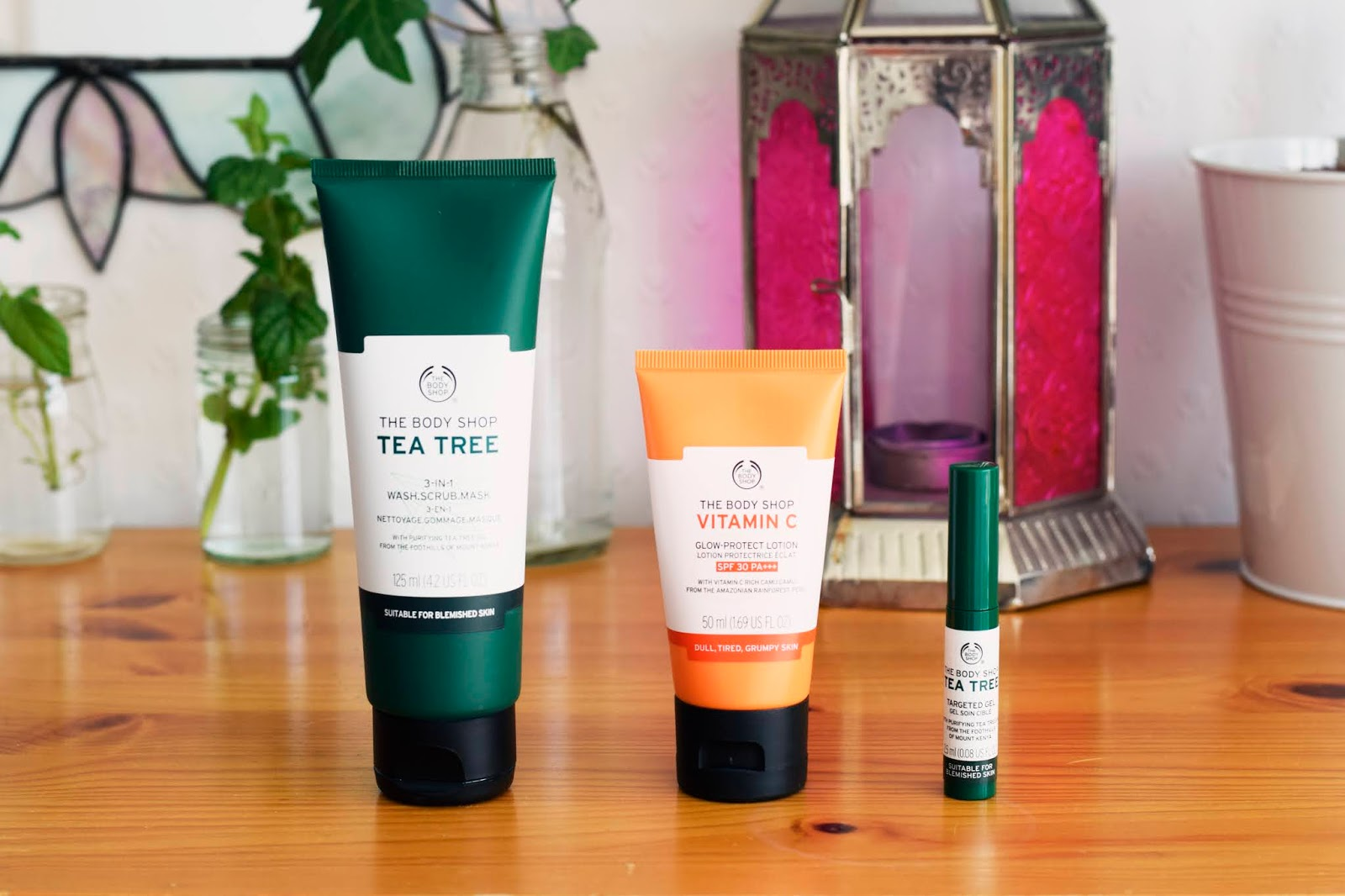 Photo of the 3 in 1 wash, the Vitamin C Location and the Tea Tree Targeted Gel