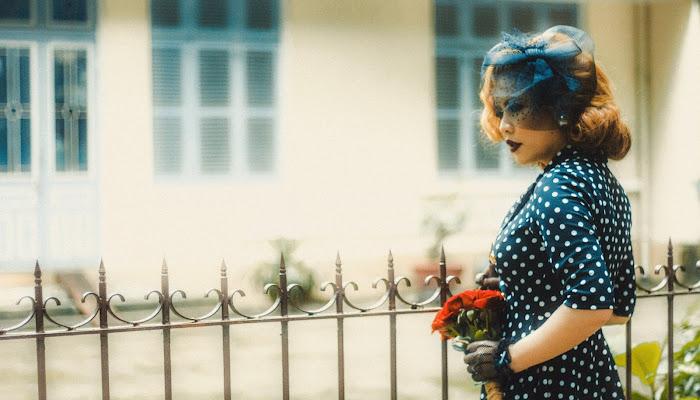 Thiếu nữ tính cách và phong cách thời trang cổ điển   Style Art
