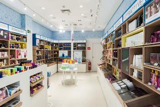 Com design renovado, primeira loja da Água de Cheiro reinaugura em BH