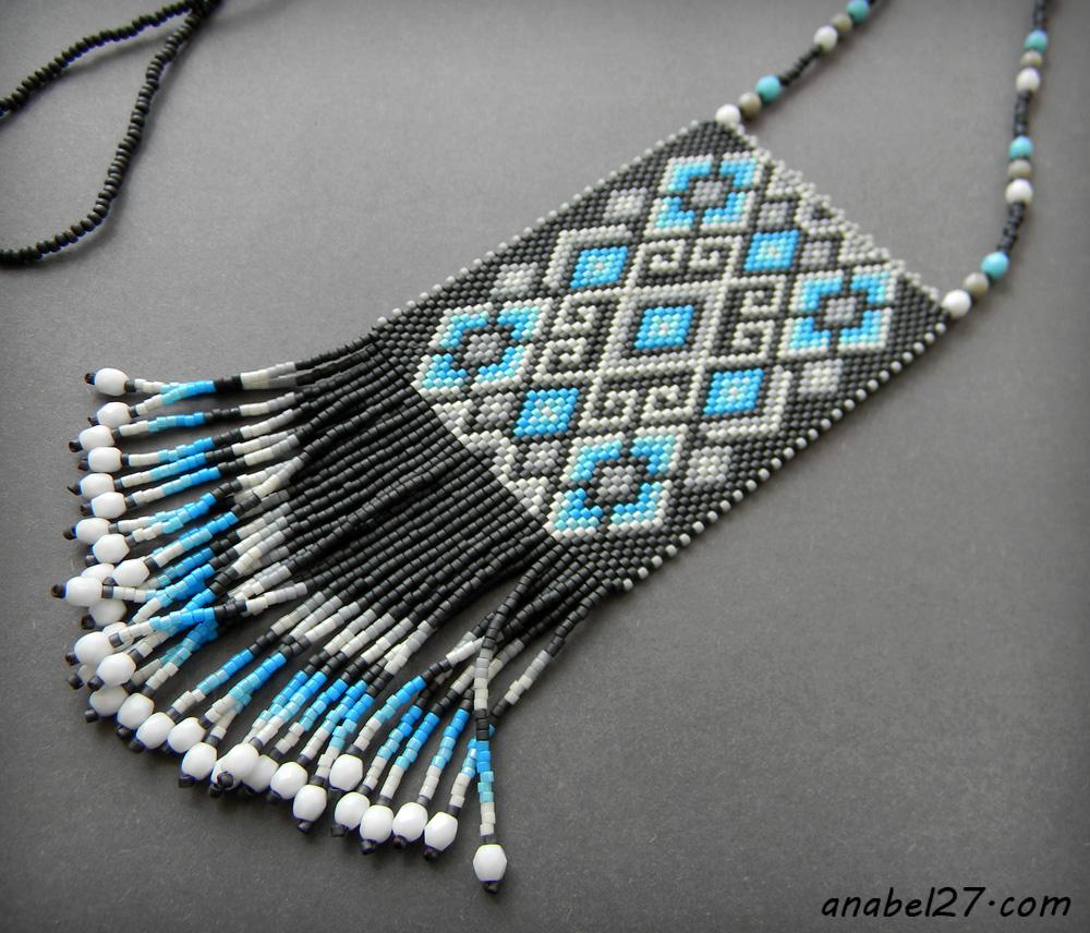 Кулон в этническом стиле - серый / белый / голубой