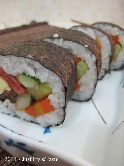 Resep Homemade Sushi - Sushi Isi Telur Goreng, Daging Asap, dan Sayur