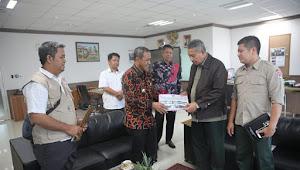 Wali Kota Palu Serahkan Data Penerima Dana Stimulan Korban Bencana Ke BNPB Pusat