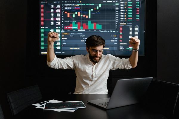 Khóa học trọn bộ kỹ năng chứng khoán để trở thành nhà đầu tư chủ động - Phạm Nhựt Minh