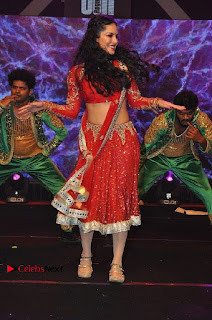 Bollywood Actress Model Sunny Leone Dance Performance in Red Half Saree at Rogue Audio Launch 13 March 2017  0059.jpg