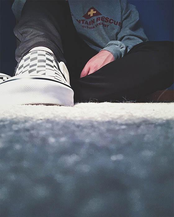 pose tumblr hombre suelo sentado
