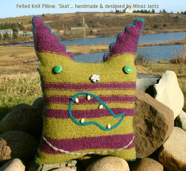 'Skat', Felted knit pillow by Minaz Jantz