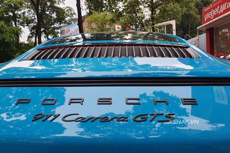 Chạm mặt siêu xe Porsche 911 Carrera GTS trên phố Việt