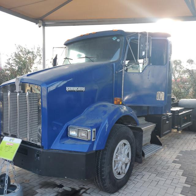 תצוגת משאיות במוזיאון התעבורה