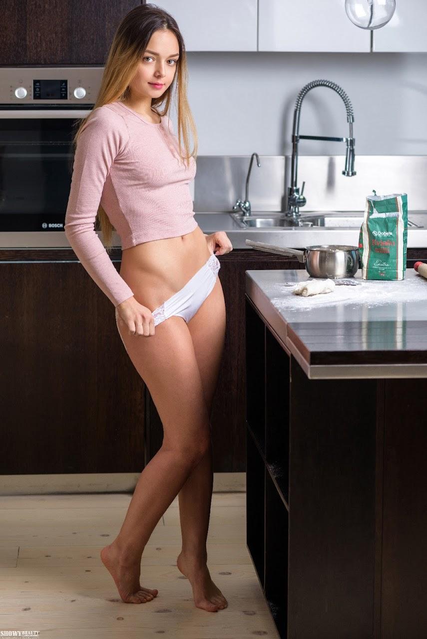 [ShowyBeauty] Mary - Cooking Class showybeauty 04050