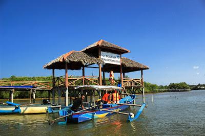 Dermaga Jembatan Cinta Mangrove Batu Karas.