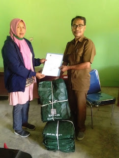 DLH Kabupaten Bima Bagikan Compost Bag