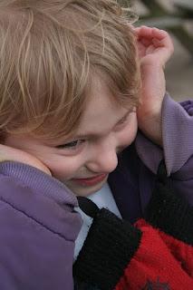 cara melatih kontak mata anak autis