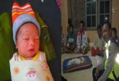 Innalillah ! Bayi Tanpa Alas Tergeletak Di Pinggir Jalan, Gegerkan Warga
