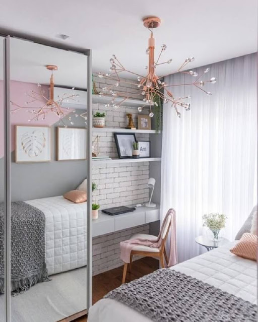 decorating a small women's bedroom
