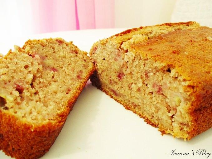 Κέικ μπανάνα-φράουλα / Banana-strawberry cake