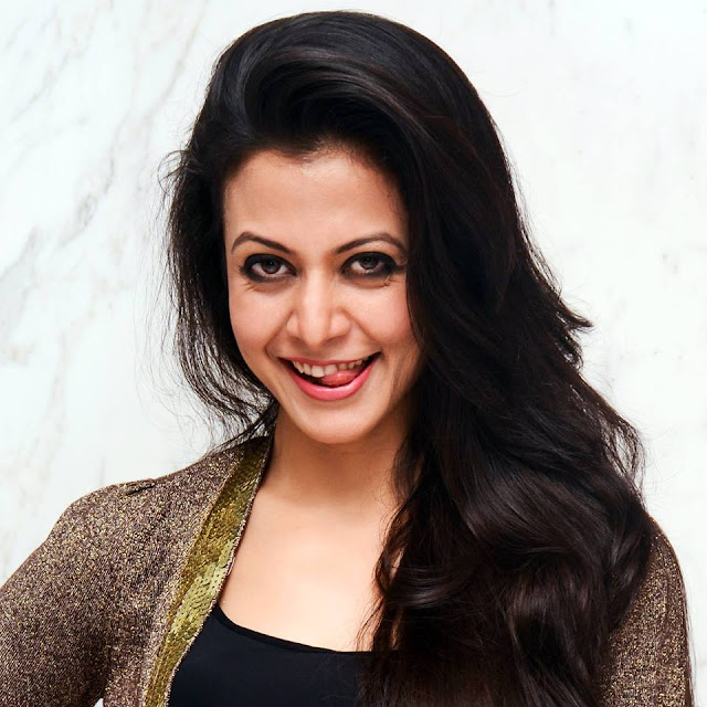 Koel Mallik Lips Smile