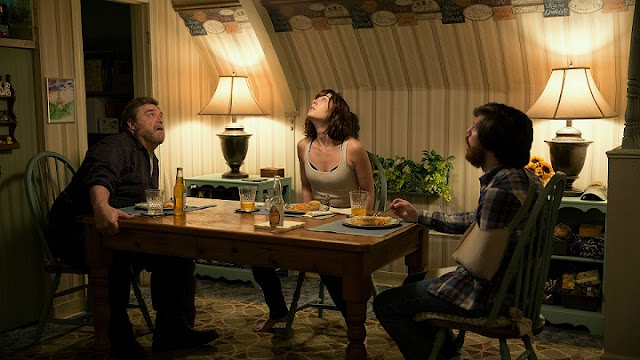 10 Cloverfield Lane cast at the dinner table