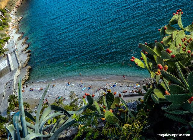 Praia de Arvanitia, Nafplio, Grécia